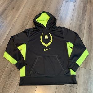 Nike Therma-Fit Boys (XL)